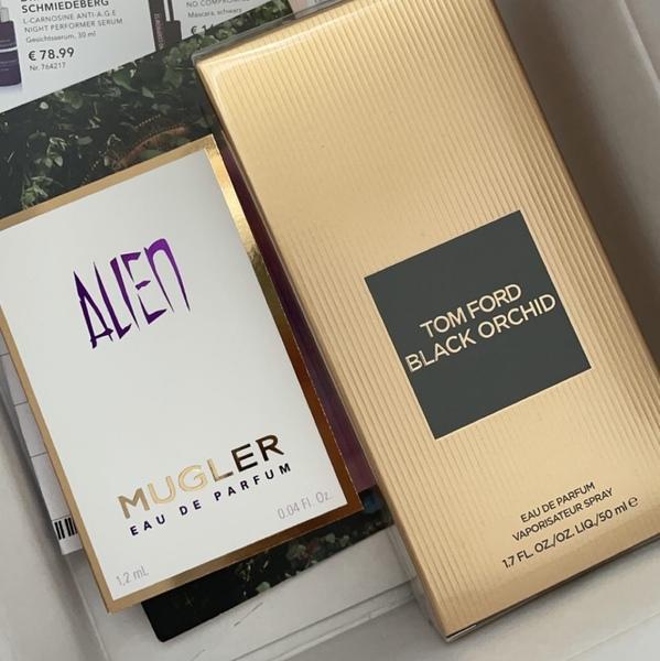 Bild von deinem teuersten Parfum