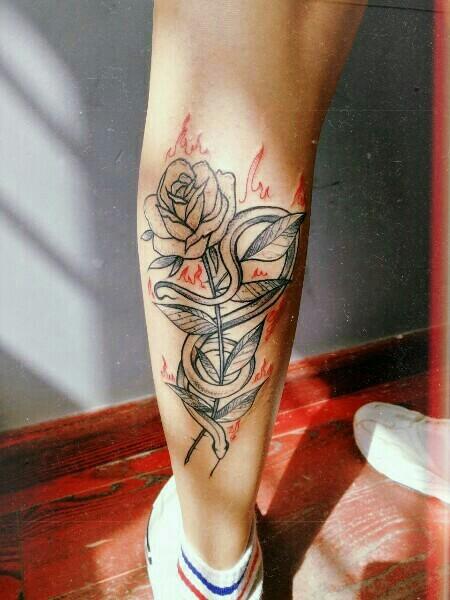 Тебе нравятся татуировки в виде цветов