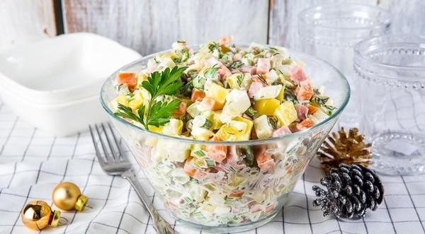 Салат с крабовых палочек или оливье