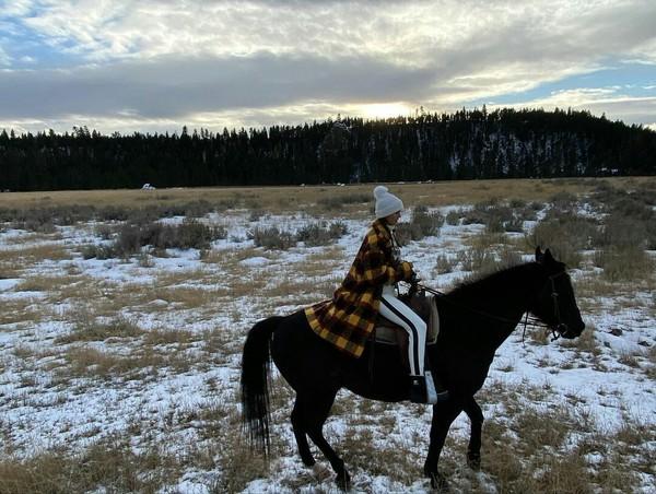 Нина каталась на лошадях