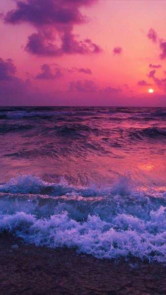 Я всегда любила ездить на море потому что у меня там было довольно много друзей