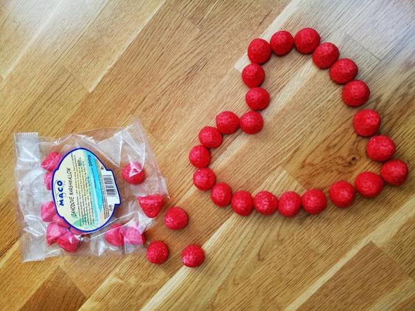 Ako tráviš deň sv Valentína ak si osamote