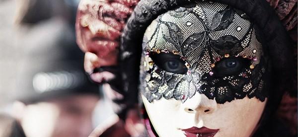 Parola del giorno CARNEVALE Carta libera potete mettere foto di una maschera che