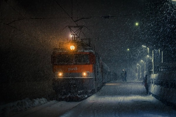 Подберите всевозможные ассоциации к словам поезда уличные фонари метель дрожь
