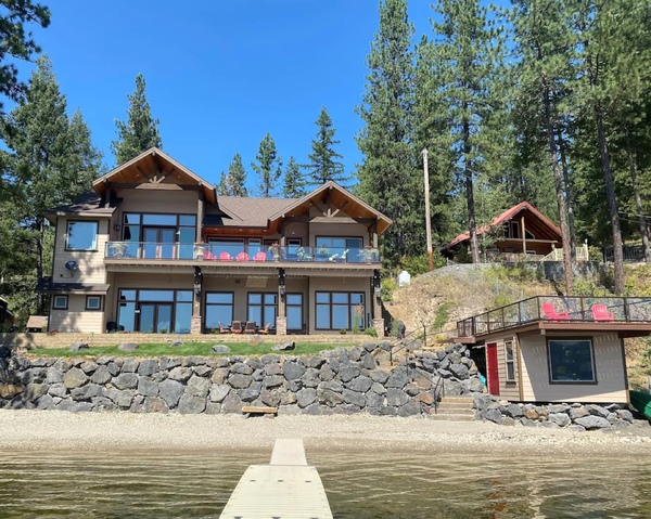 Do you live near a lake  river