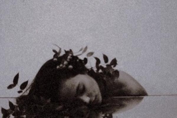 Aşk acısı kalpte oluşuyor ama asıl yarayı ruh alıyor Yani sonuçta her şarkı