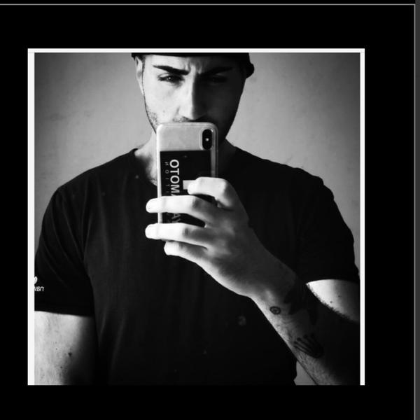 Posta la foto profilo di Ask