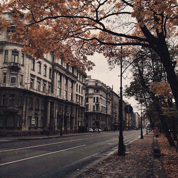 qft чехов писал что осень  время когда может быть грустно без причины  а как вы