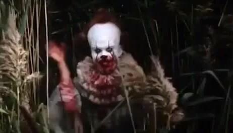 Кто страшнее клоуны или пауки