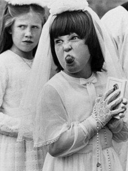 Считаете ли вы что при церемонии у женщины должно быть своё свадебное платье или