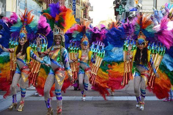 QG image thème Carnaval  Jaime pas du tout  0 flamme Bien 5 flammes Superbe 10