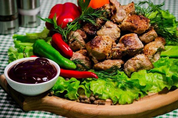Алексей нравятся ли тебе овощи Запекаешь их вместе с шашлыком на решётке