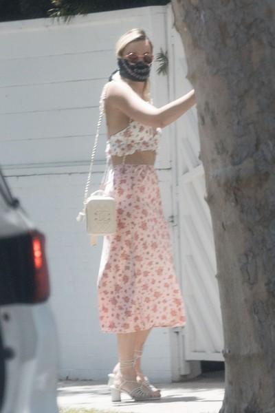NEW  Margot 16 maja w LA