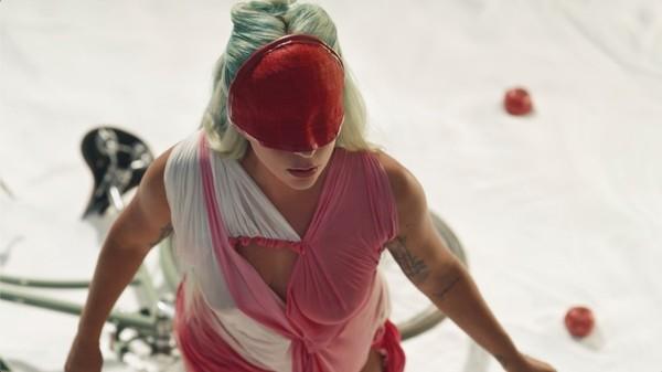 Lady Gaga wyda jutro 1809 film krótkometrażowy do singla 911  Premiera o