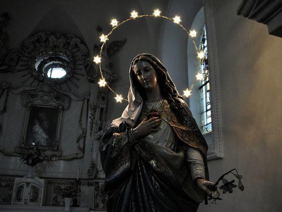 Нравятся ли вам атрибуты какойлибо из религий с точки зрения эстетики Что именно