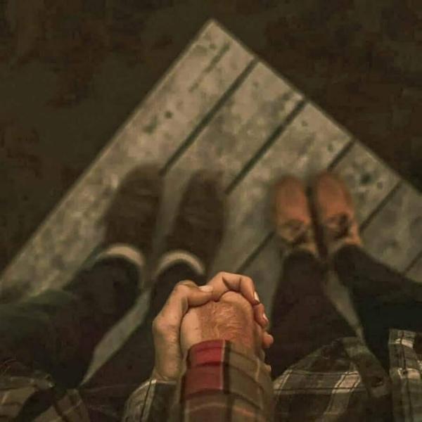 لم اكن المقصود بالحب  لم اكن من تبحث عنه  ربما كان حبك مارا بجانبي فتعلق قلبي