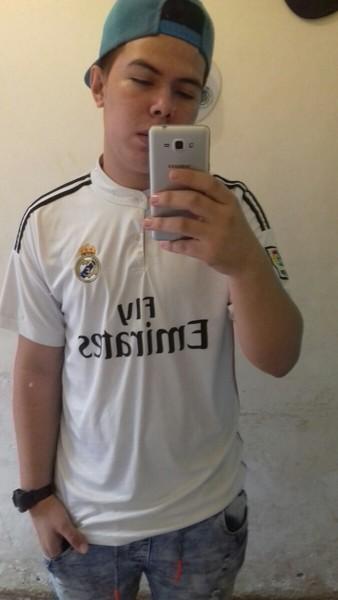 Pap con tu camisa del Madrid