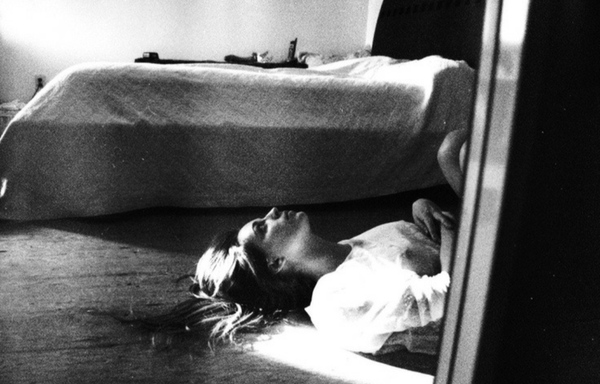 Öldü sanılıp gömülmüş ancak toprağın altında tabutunun içinde uyanıp bağırıp