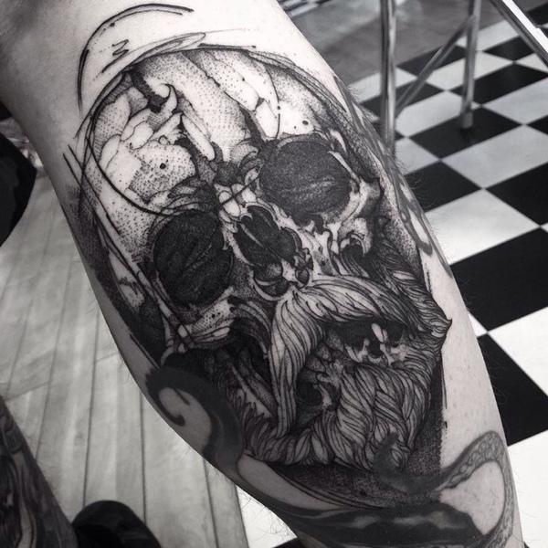 Super profil obserwuję   Tatuaż z czaszką