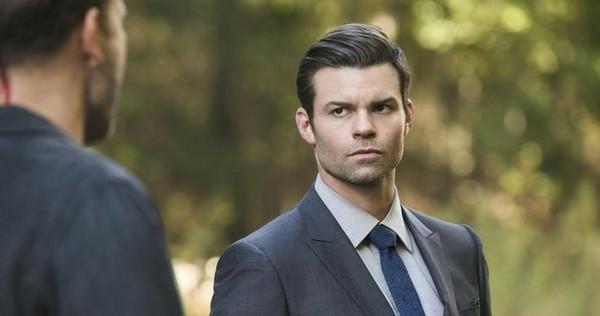 Elijah ze wszystkich pierwotnych był najbardziej lojalny i wyrafinowany