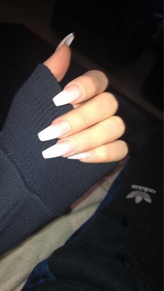 Zeig mal deine Nägel