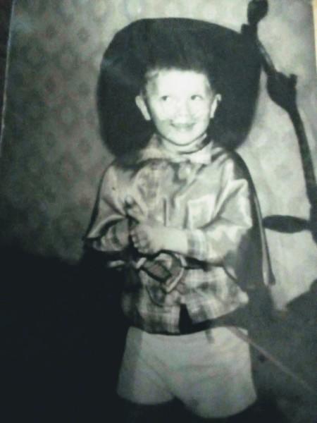 Какой новогодний костюм на тебя надевали в детстве Выложи фото