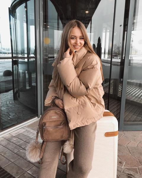 Подскажи как можно стильно одеваться зимой
