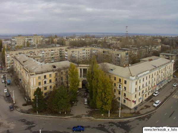 В каком году было построено здание бывшего студенческого общежития