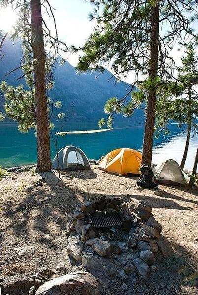 Что интересней сидеть в отеле у моря или выехать с палатками на природу