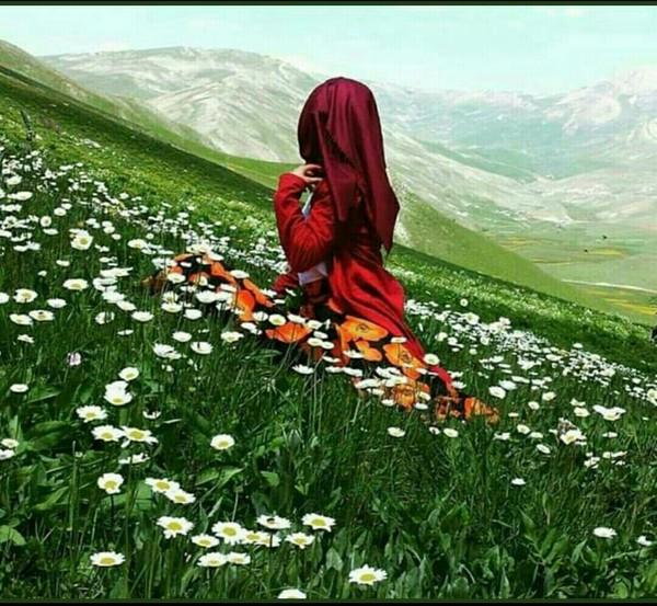 Tüm çiçekleri ezseler tüm tohumları öldürseler de baharın gelmesini yine de