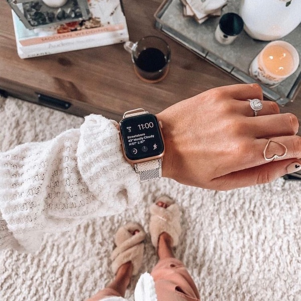 Ты носишь часы или умные часы Если да то что это за часы Отправить фотографию