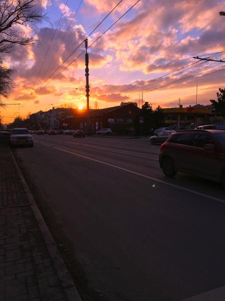 Давайте фото рассвета или заката в вашем городе
