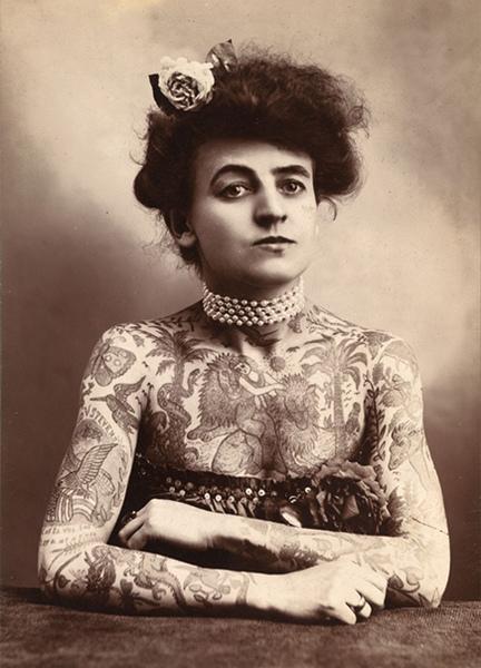Мне не нравятся татуировки у дэвушек потому что они в их жизни навсегда а я нет