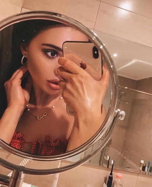 Давай своё фото в зеркале