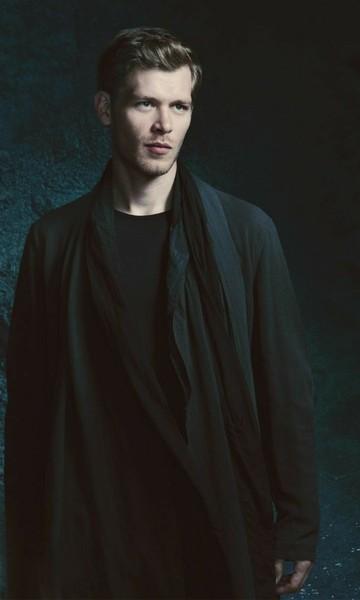 Miłego wieczoru Poproszę zdjęcie w czarnej koszulce