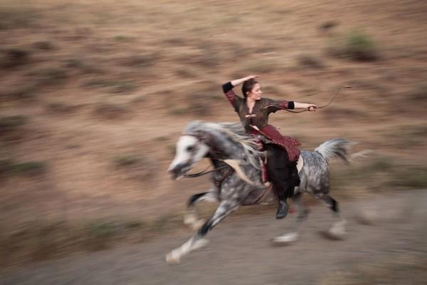 Jak pokonać łuczników na koniach