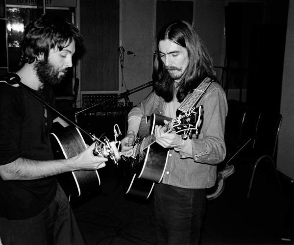 Niewidziane dotąd zdjęcie Georgea i Paula w sieci   Na twitterowym koncie