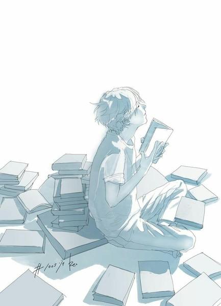 Внутри домашней библиотеки стоит пыльный запах наполненных книгами шкафов