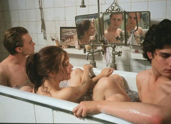 Oui je suis ivre Et tu es belle Et demain matin je serai sobre mais vous