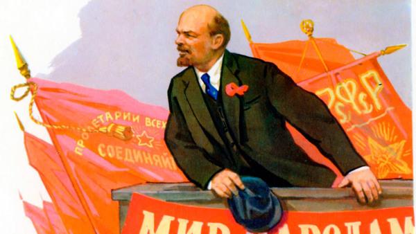 burjuvaziye kefen dokuyan sosyalizmin kızıl bayrağını göklerde dalgalandıran