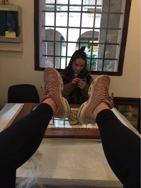 Pubblica una foto delle tue scarpe