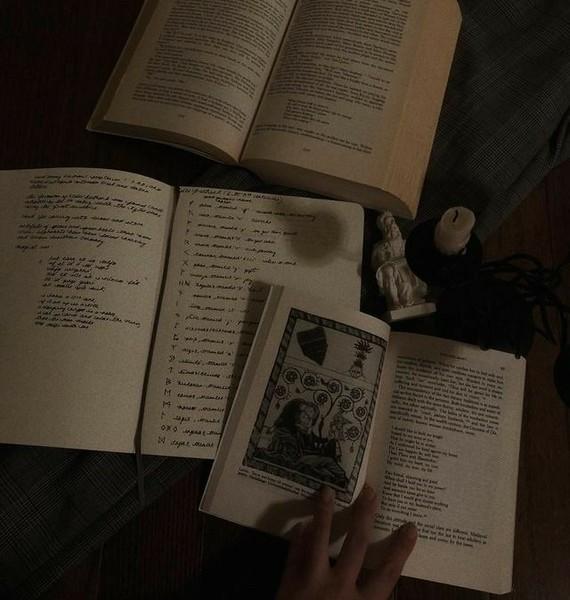 Какие книги в жанре мистика вы читали