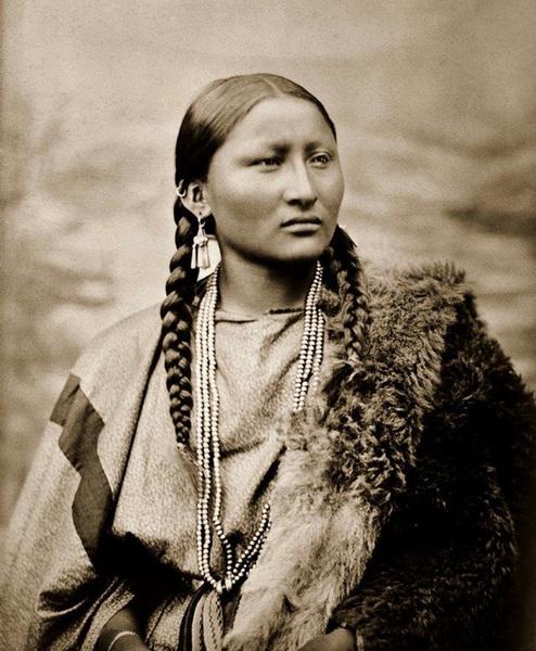 katolicy i duchowni nawracali mieczem Indianów