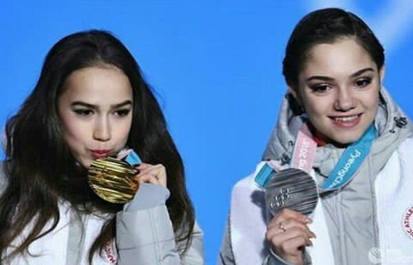 Привет Юлька болеешь за наших на Олимпиаде
