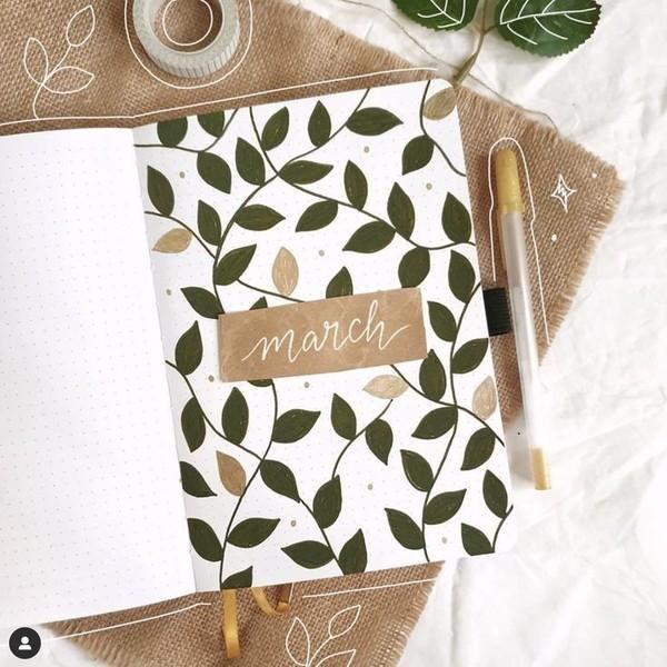Есть ли у вас тетради или блокноты для записей мыслей и набросков А творческие