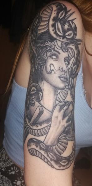 Hast du Tattoos Zeigst du sie uns wenn du welche hast
